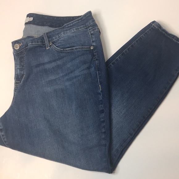 torrid Denim - Torrid Skinny Medium Wash Jeans      Size: 22